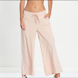 Varley Norma Pants in Dusty Pink Size M